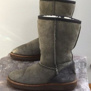 Yellow Earth REDUCED woman's size 6 boot